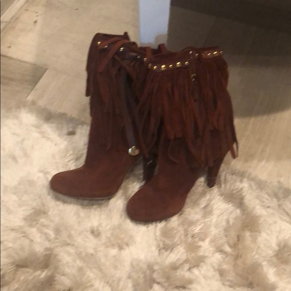 Gucci Shoes - Gorgeous suede Gucci boots